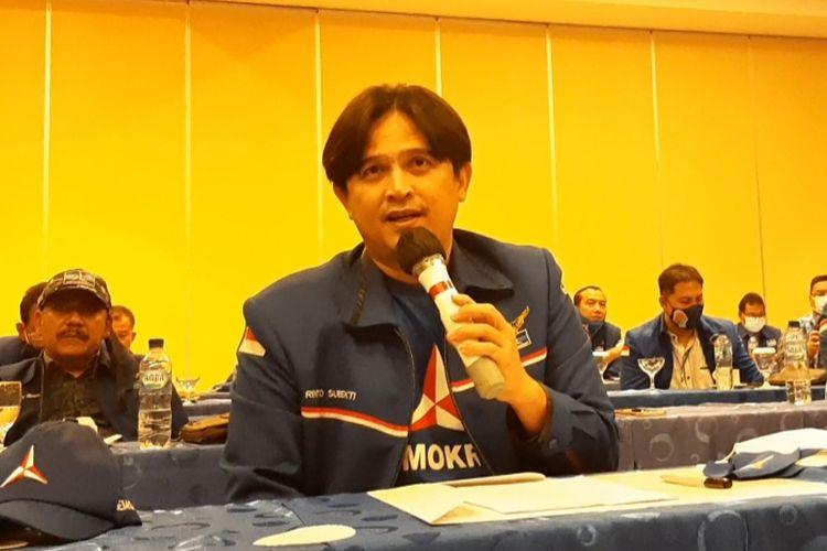 Ketua DPD Demokrat Jawa Tengah Rinto Subekti saat konferensi pers di Hotel Candi Semarang, Minggu (7/3/2021).