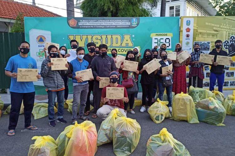 Pasien Positif Covid-19 Setelah dinyatakan Sembuh Oleh Pihak RSL Indrapura Surabaya, Jum'at (2/7/2021)