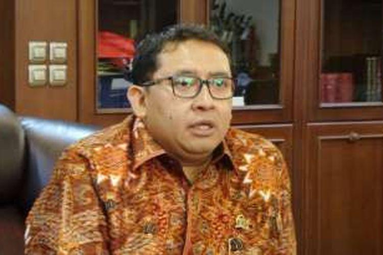 Wakil Ketua DPR RI Fadli Zon di Kompleks Parlemen, Senayan, Jakarta, Senin (28/11/2016)