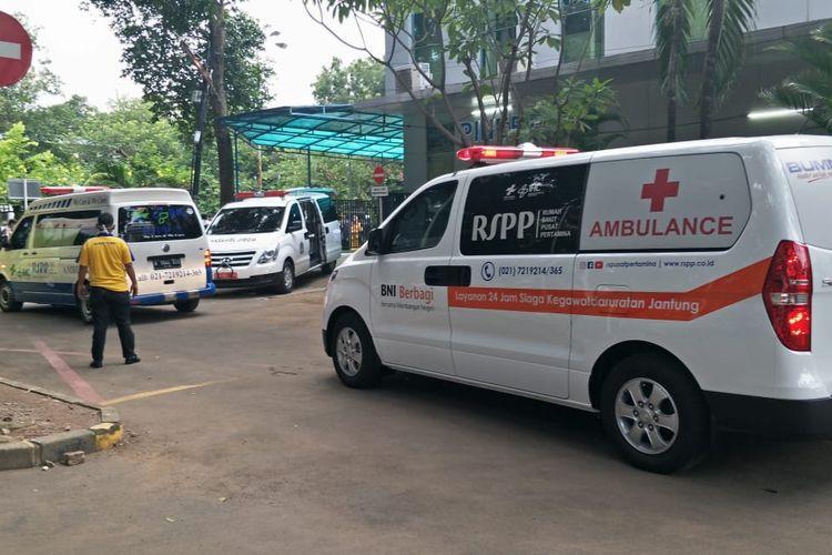 Jenazah Kepala PPATK, Kiagus Ahmad Badarudin hendak dibawah ke kediaman di RSUP Persahabatan, Jakarta Timur, Sabtu (14/3/2020).
