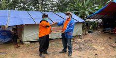 Tinjau Kondisi Korban Longsor Purwakarta, Dirut Pos Indonesia Salurkan BST dari Kemensos