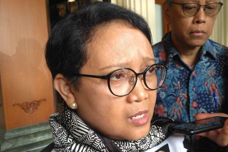 Menteri Luar Negeri Retno Marsudi di Kementerian Koordinator Bidang Politik, Hukum, dan Keamanan, Jakarta, Senin (3/4/2017).