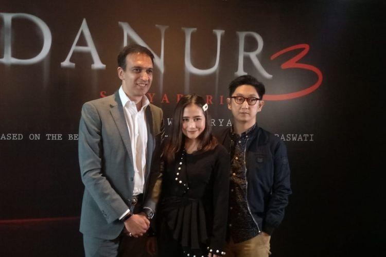 Manoj Punjabi, Prilly Latuconsina dan Awi Suryadi saat ditemui dalam jumpa pers teaser dan poster film Danur 3: Sunyaruri di MD Place, Setiabudi, Jakarta Selatan, Rabu (10/4/2019).