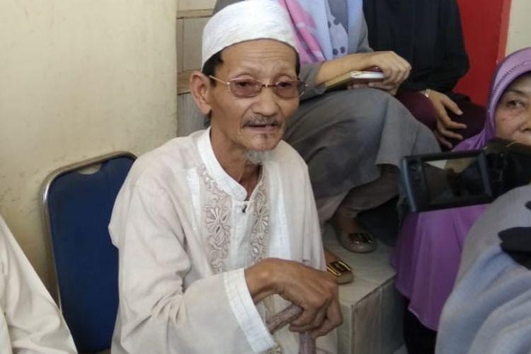 Ki Agus Roni (77) ayah dari Sofyan ketika berada di rumah sakit Bhayangkara Palembang, Sumatera Selatan, Jumat (16/11/2018).