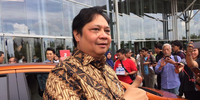 Menteri Perindustrian RI Airlangga Hartarto langsung menguji Nissan Note e-Power