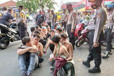 Polisi Amankan Anggota Ormas dan Pelajar pada Aksi Mogok Kerja di Karawang