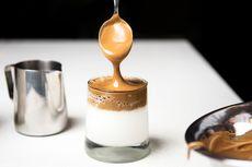Cara Membuat Dalgona Coffee Tanpa Mixer, Jadi dalam 5 Menit