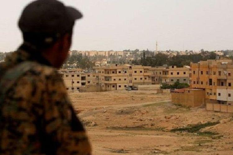 Pasukan Demokratik Suriah (SDF) saat ini tengah berusaha merebut Tabqa, kota di Suriah yang dipakai sebagai pusat komando ISIS.