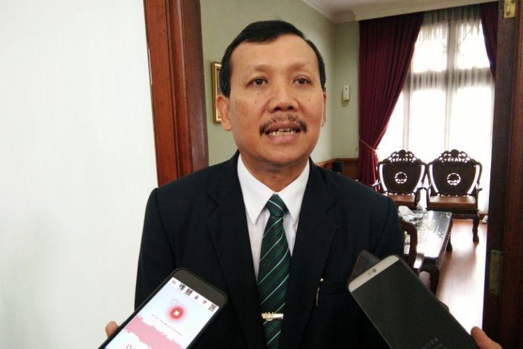 Sekretaris Daerah (Sekda) Provinsi Jawa Barat Iwa Karniwa saat ditemui di Gedung Sate, Jalan Diponegoro, Selasa (16/10/2018).