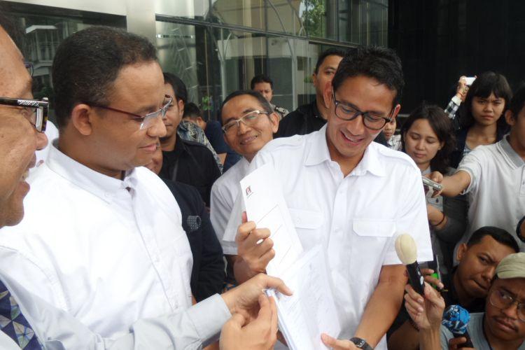 Anies Baswedan dan Sandiaga Uno di Gedung KPK Jakarta, Selasa (21/3/2017).