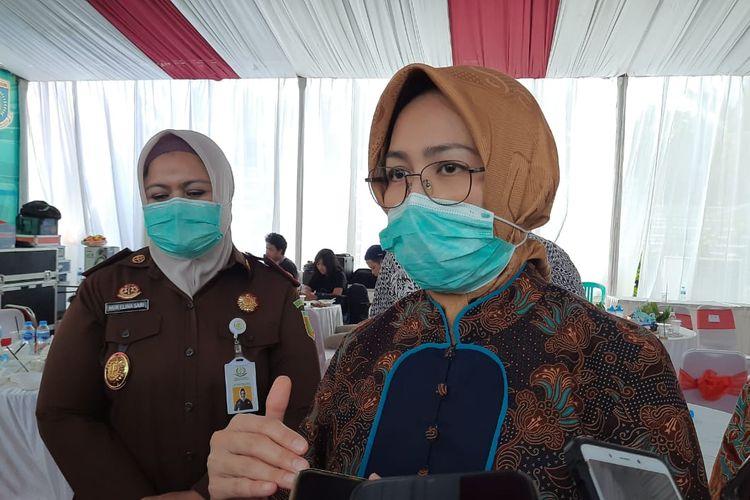 Wali Kota Tangerang Selatan Airin Rachmi Diany saat diwawancarai usai menghadiri peresmian Kampung Jawara di Kampung Margajaya, Kecamatan Serpong Utara, Tangerang Selatan, Kamis (9/7/2020).
