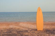 Pria Australia Dapatkan Papan Selancarnya yang Hilang 40 Tahun Lalu