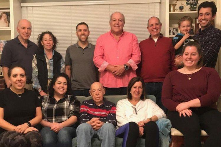 Keluarga Goldsticker