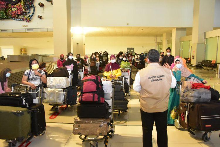Ilustrasi pekerja migran yang tiba di Bandara Soekarno-Hatta, Kota Tangerang, Minggu (9/5/2021).