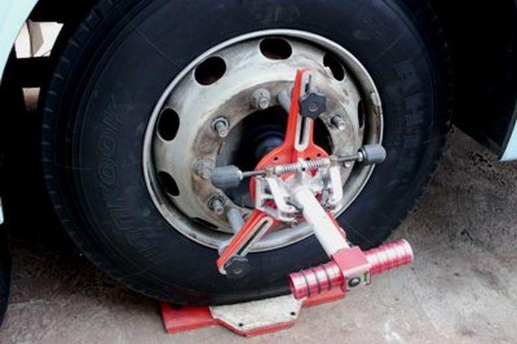 Alat spooring ban truk