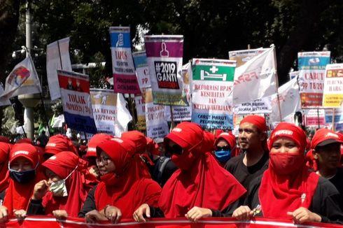 Ada Atribut #2019GantiPresiden di Kerumunan Massa Demo Hari Buruh