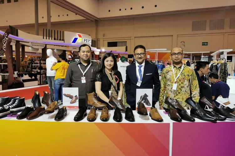 Founder Prabu Indonesia, Lisa Yumi, saat sedang pameran.