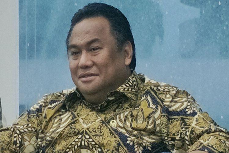 Wakil Ketua DPR Rachmat Gobel saat ditemui di media center DPR RI, Kompleks Parlemen, Senayan, Jakarta, Selasa (8/10/2019).