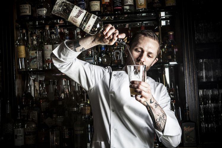 Steve Schneider, bartender Employees Only