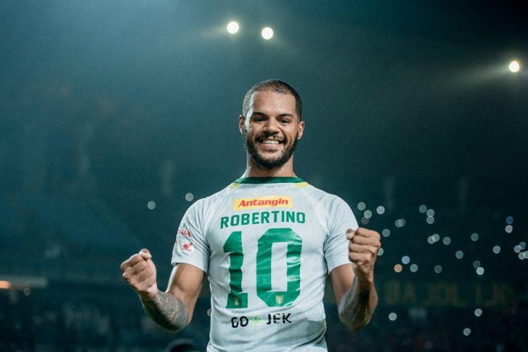 Ekspresi David da Silva setelah mencetak gol kedua untuk Persebaya Surabaya kontra PSM Makassar, Sabtu (10/11/2018). Bomber asal Brasil itu mendedikasikan golnya untuk rekan satu tim, Robertino Pugliara.