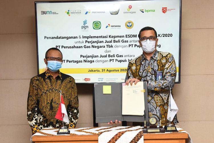 Penandatanganan novasi dan amandemen PJBG dengan PT Pupuk Iskandar Muda oleh Direktur Utama PT Pertagas Niaga Linda Sunarti dan Direktur Utama PT Pupuk Iskandar Muda, (31/08/2020).