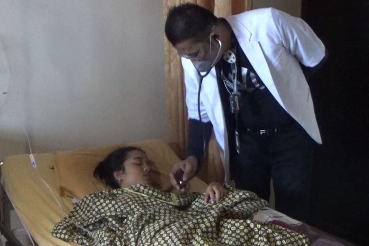 Khana Darasa Naswa (15) dirawat di Rumah Sakit Umum (RSU) Bunga Melati Lhokseumawe, Sabtu (25/9/2021)