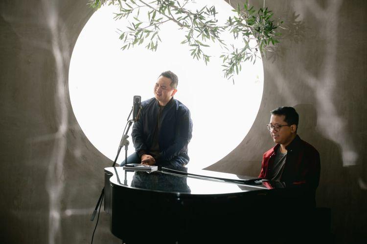 Sidney Mohede berkolaborasi bersama komposer musik Andi Rianto dalam lagu Only You.