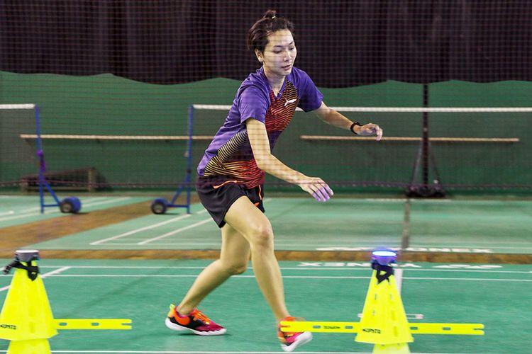 Pemain ganda campuran, Gloria Emanuelle Widjaja, berlatih di Kompleks Pelatnas Cipayung, Jakarta, Selasa (23/2/2021). DOK. PBSI.