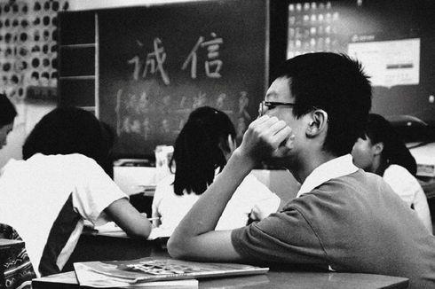 Pelajar di Wuhan, China Mulai Kembali Bersekolah