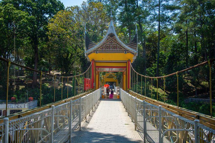 Jembatan Limpapeh di Bukitinggi, Sumatera Barat.