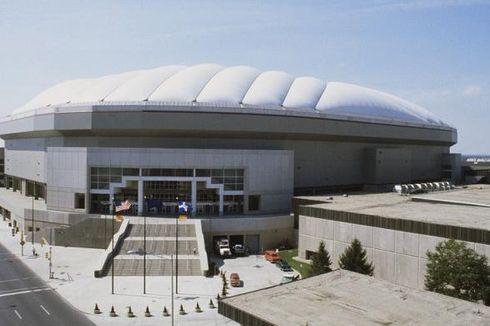 Material Bekas Stadion Jadi Dompet dan Halte