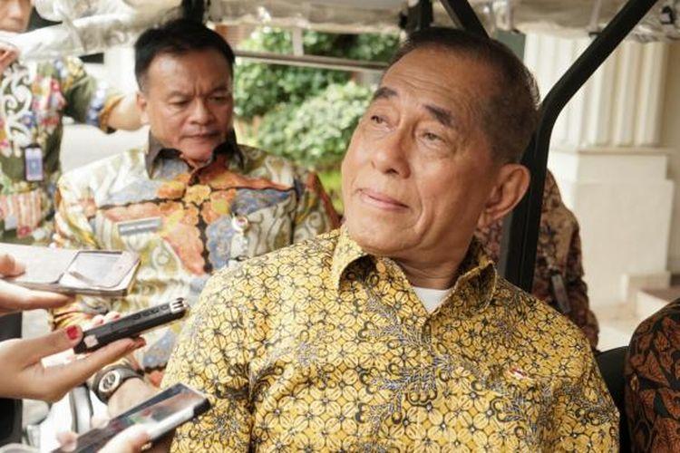 Menteri Pertahanan Ryamizard Ryacudu saat ditemui di kantor Kemenko Polhukam, Jakarta Pusat, Jumat (9/12/2016).