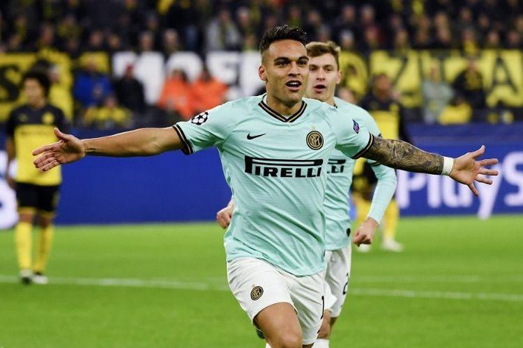 Lautaro Martinez merayakan golnya pada pertandingan Borussia Dortmund vs Inter Milan dalam lanjutan Liga Champions di Stadion Signal Iduna Park, 5 November 2019.