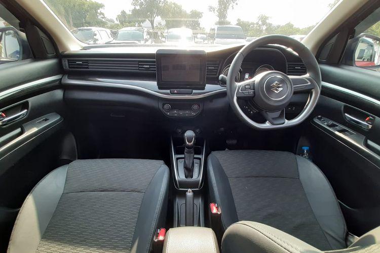 Interior Suzuki XL7