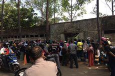 Vaksinasi Covid-19 Pelajar di Puspemkot Tangerang Timbulkan Kerumunan Orangtua