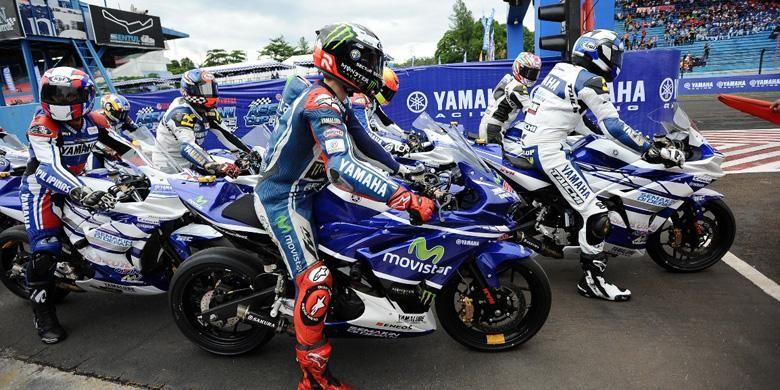 Jorge Lorenzo bersama para rider di Yamaha ASEAN Cup Race 2014.