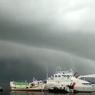 Video Viral Awan Mirip Ombak Tsunami di Makassar, Ini Penjelasannya