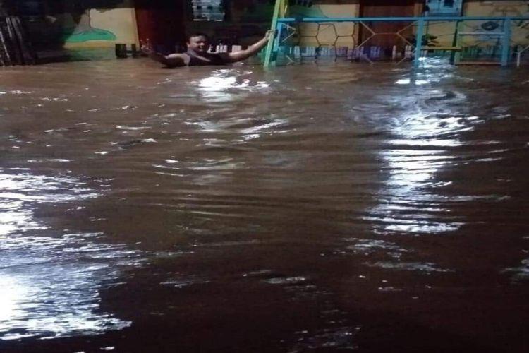BPBD mencatat, dampak banjir bandang yang terjadi di Kota Bima meluas menjadi 16 Kelurahan.
