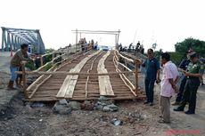 Jembatan Darurat Dibangun di Lokasi Ambruknya Jembatan Penghubung Sumsel-Lampung