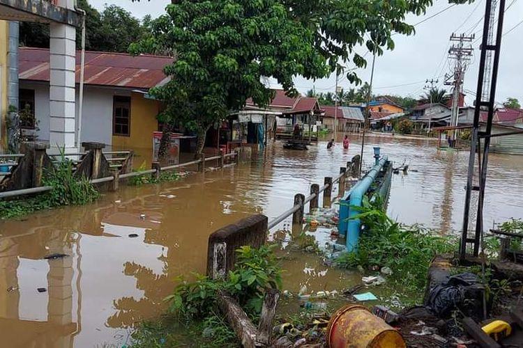 Kondisi banjir di Kabupaten Kapuas Hulu, Kalimantan Barat, Kamis (13/5/2021).