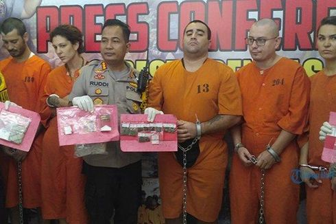 5 Bule Ditangkap di Bali Setelah Edarkan Kokain dan Ganja