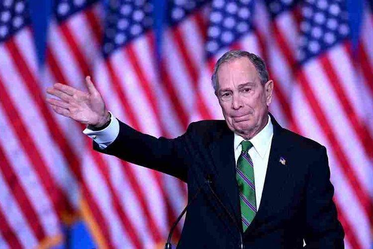 Mantan Wali Kota New York Michael Bloomberg menyampaikan pidato mengakhiri kampanye kepresidenannya di Hotel Sheraton, New York, Rabu (04/03/2020)