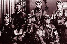 Hari Ini dalam Sejarah: Serangan Kamikaze Pertama dalam Perang Jepang-Amerika