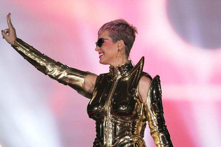Penampilan Katy Perry saat konser di Indonesia Convention Exhibition (ICE) BSD, Tangerang, Banten, Sabtu (14/4/2018). Untuk ketiga kalinya Katy Perry sapa penggemarnya di Indonesia. Kali ini konsernya bertajuk Witness: The Tour.
