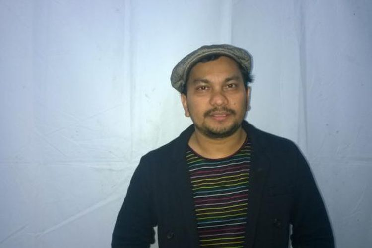 Vokalis Tompi usai tampil dalam gelaran Mocosik Festival 2017 di Jogja Expo Center, Yogyakarta, Senin (13/2/2017) malam.
