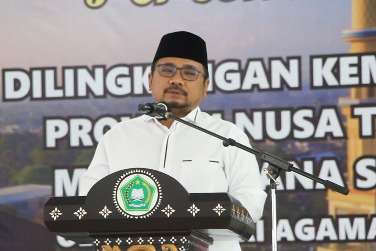 Menteri Agama Ri, Yaqut Cholil Qourmas Atau Gus Yaqut, mengatakan masih ada 36 persen masyarakat yang masih meragukan kehalalan vaksin. Hal itu disampikan Menag di Mataram, Kamis sore (10/3/2021)