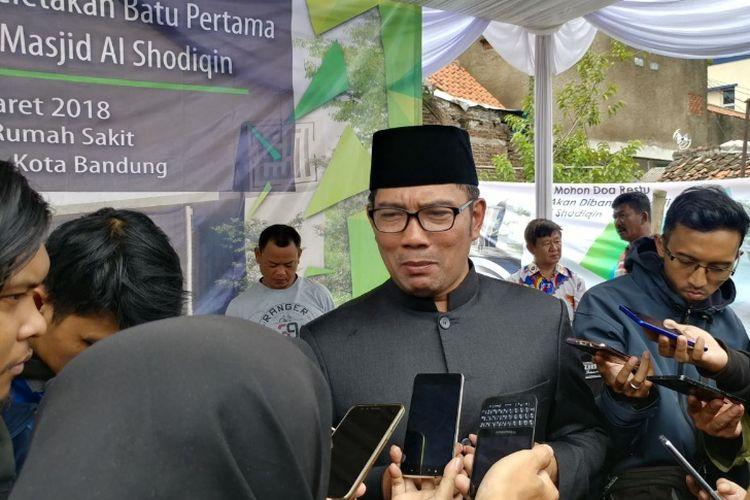 Kandidat gubernur Jawa Barat Ridwan Kamil saat ditemui wartawan di kawasan Cinambo, Bandung, Senin (5/3/2018).