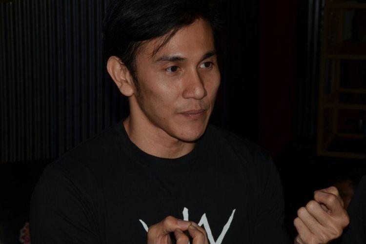 Vino G Bastian saat menghadiri konferensi pers film Wiro Sableng di Senayan City, Jakarta Selatan, Rabu (16/8/2017).