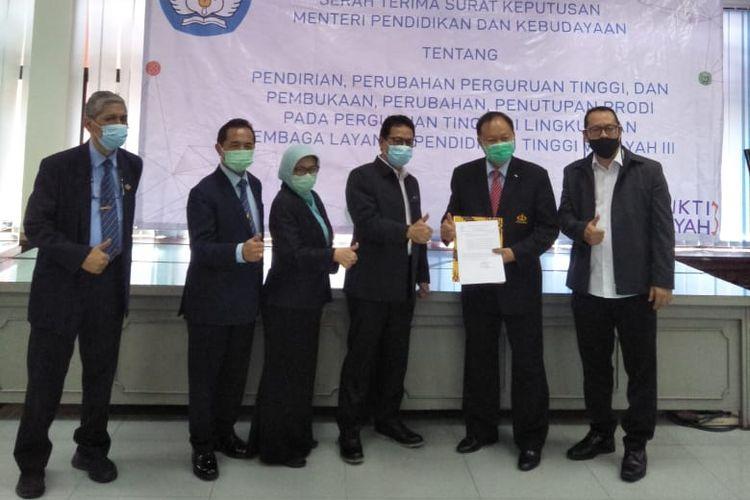 Izin pembukaan Program S3 Pariwisata STP Trisakti secara resmi diberikan Kepala LLDikti Wilayah III DKI Jakarta Prof. Agus Setyo Budi di kantor LL Dikti Jakarta, Rabu (30/9/2020).