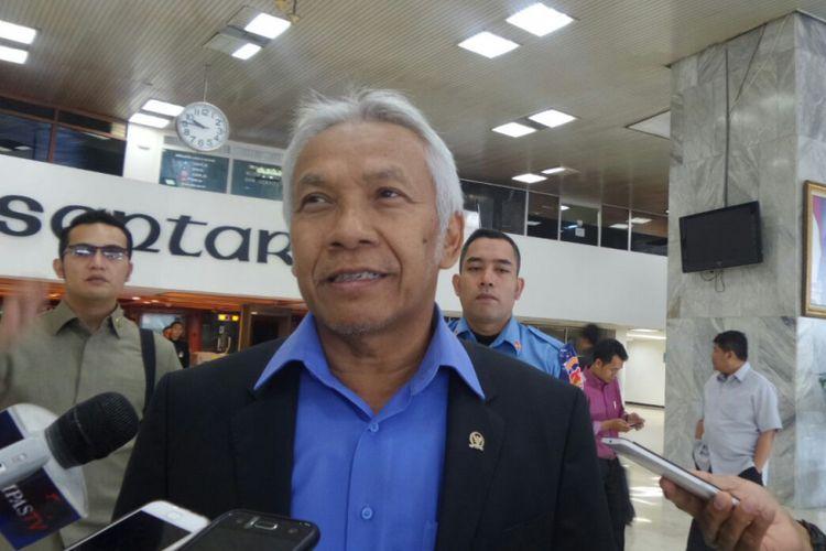Wakil Ketua DPR RI Agus Hermanto di Kompleks Parlemen, Senayan, Jakarta, Senin (17/7/2017).